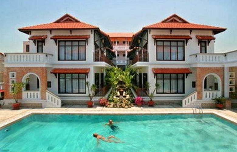 Southern Hotel & Villa - Pool - 5