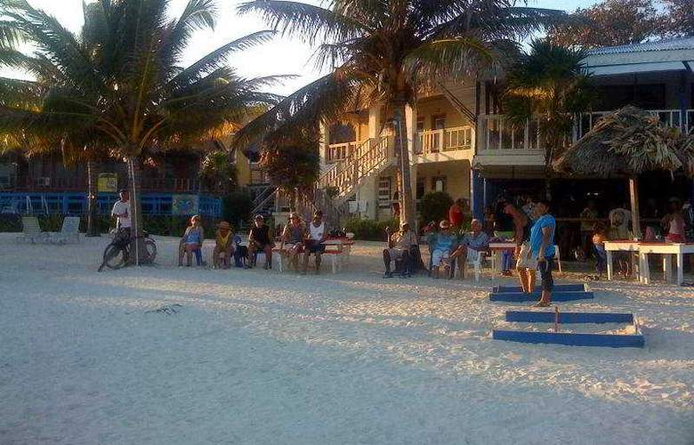 Exotic Caye Beach Resort - Beach - 11