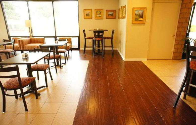 Best Western Plus Orchard Inn - Hotel - 4