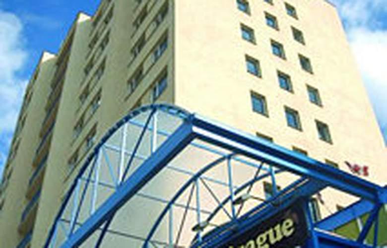 Fortuna West - Hotel - 0