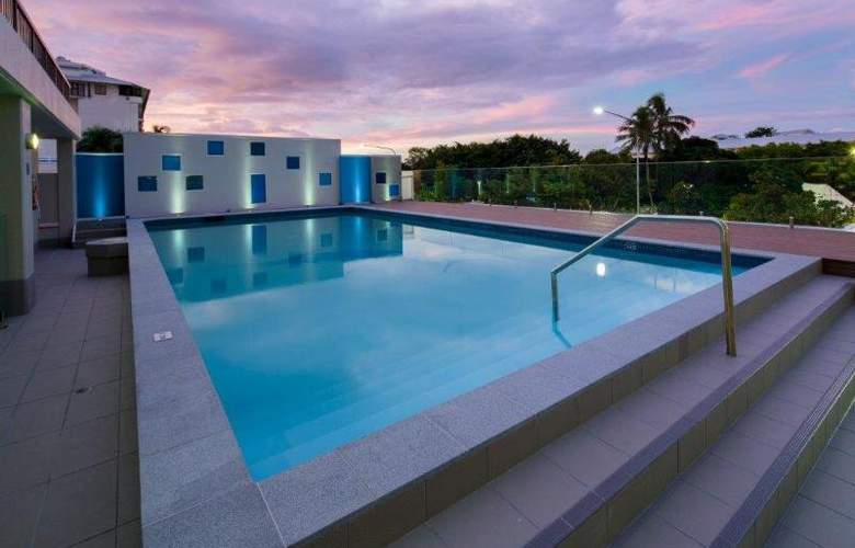 Pacific Cairns - Pool - 10