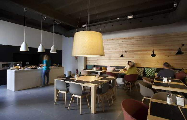Toc Hostel Barcelona - Bar - 13