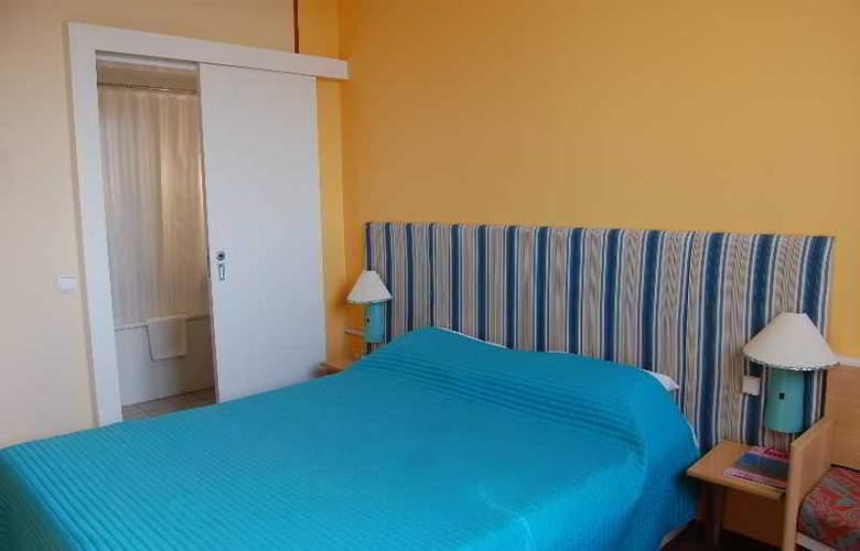 Turismo - Room - 1