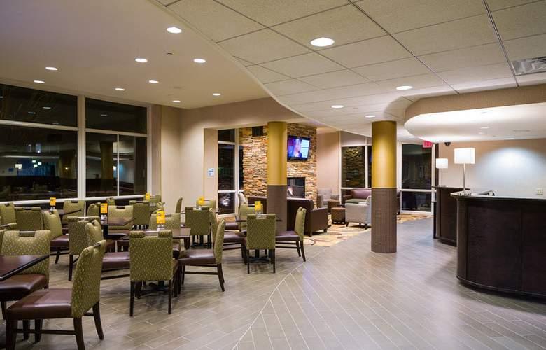 Holiday Inn Express Philadelphia Penns Landing - General - 9