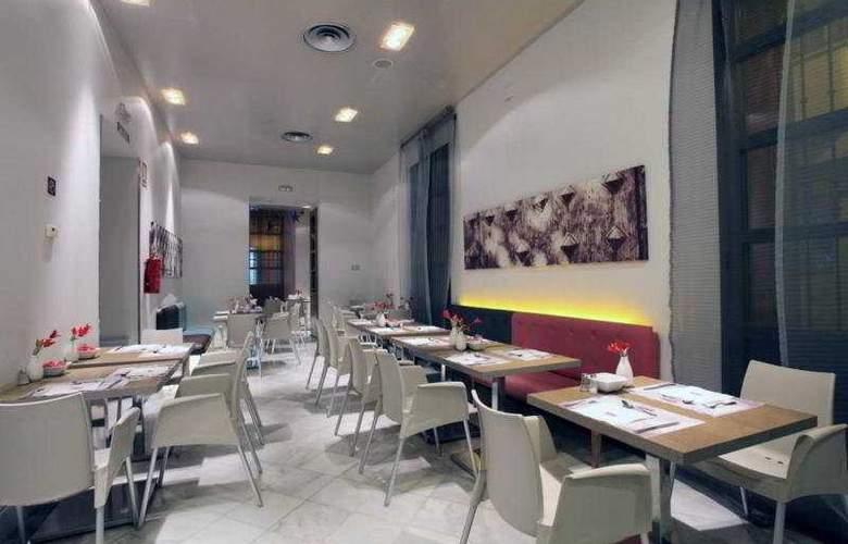 Petit Palace Marques Santa Ana - Restaurant - 17