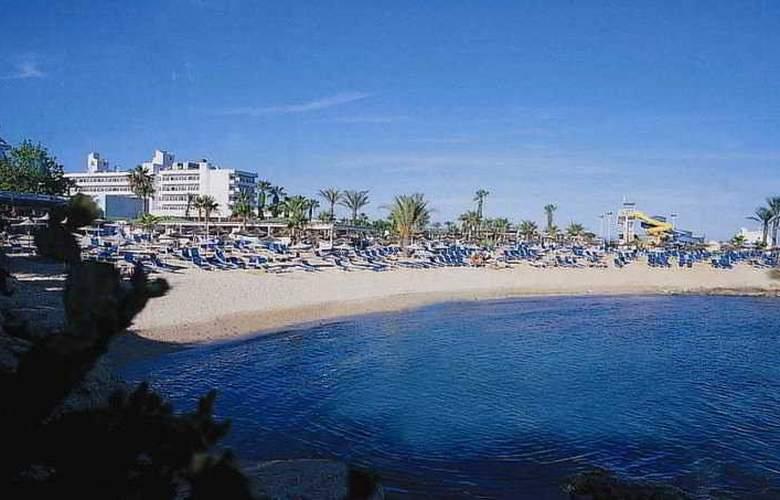 Adams Beach Hotel - Beach - 6