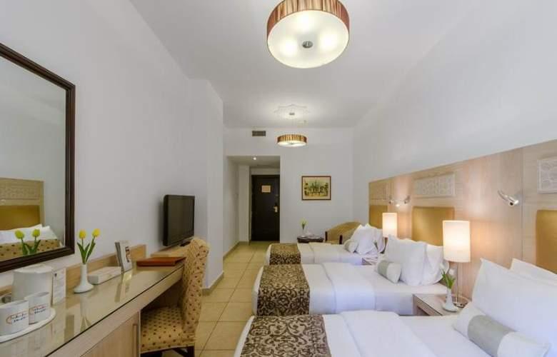 Toledo - Room - 15