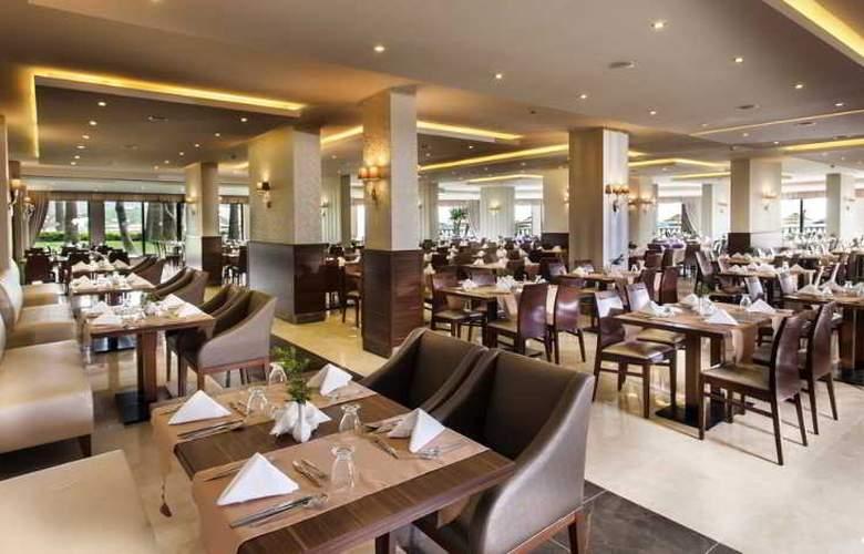 Tusan Beach Resort - Restaurant - 6