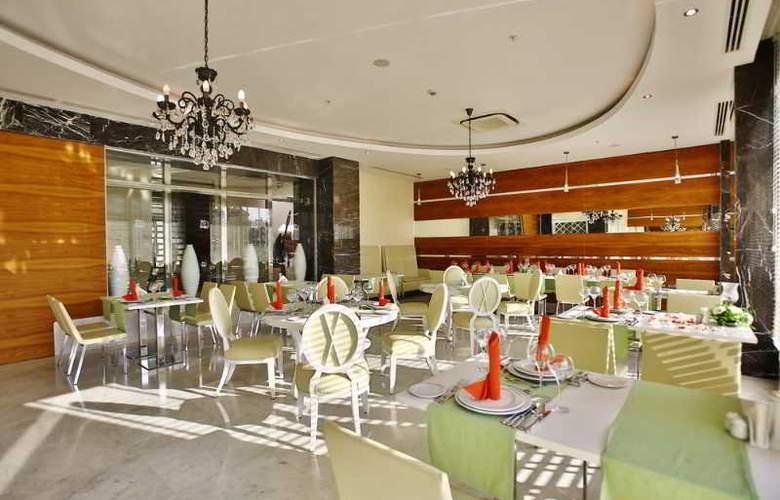 Evren Beach Resort - Restaurant - 26