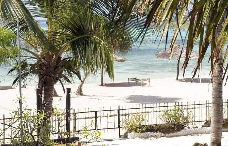 La Madrugada Beach Hotel & Resort - Beach - 4
