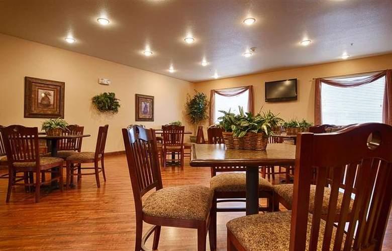 Best Western Plus Sherwood Inn & Suites - Restaurant - 26