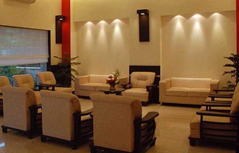 Meridian Plaza - Hotel - 0