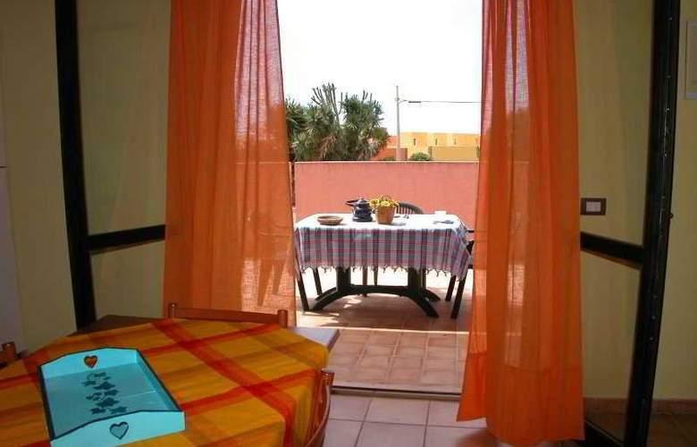 Casa Vacanze Perla Rosa - Room - 3