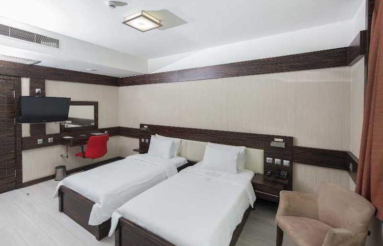 Wes Hotel - Room - 21