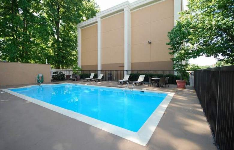 Best Western Plus Richmond Airport Hotel - Pool - 106