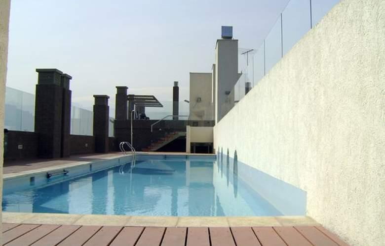 Agustina Suite - Pool - 1