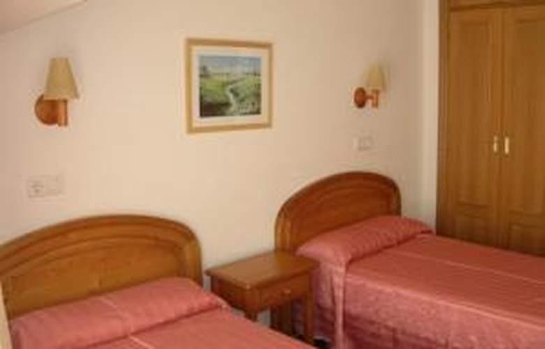 Los Jardines - Hotel - 0