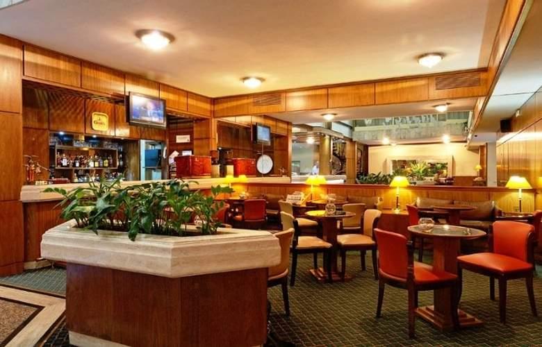 Balmoral Plaza - Bar - 2