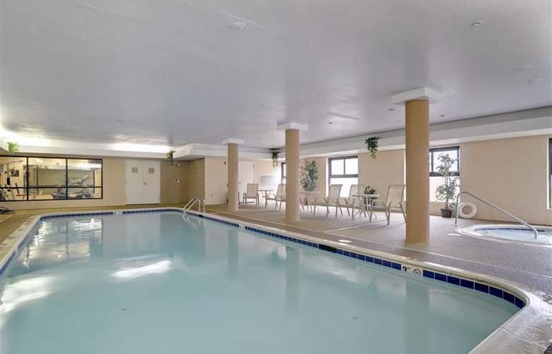 Best Western Inn & Suites - Midway Airport - Pool - 53