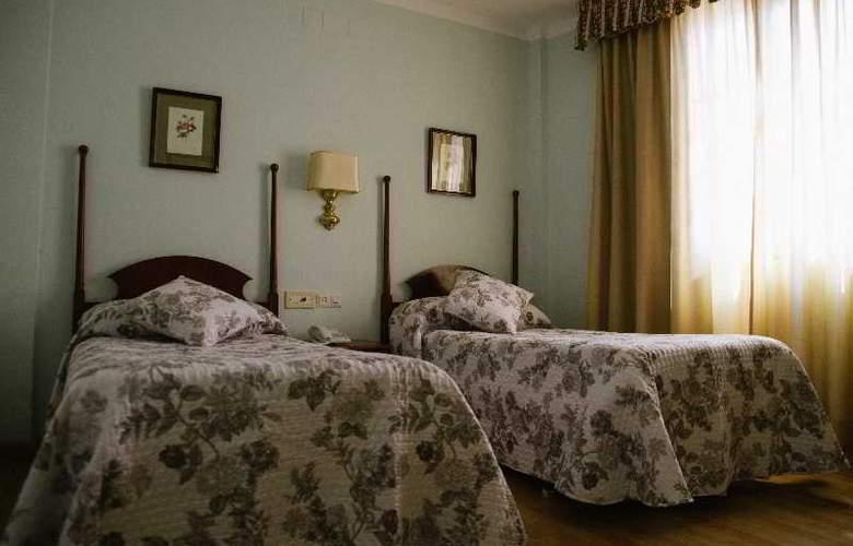 Sierra Aracena - Room - 25