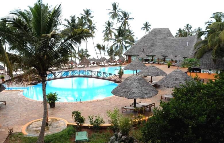 Bravo Club Kiwengwa - Pool - 3