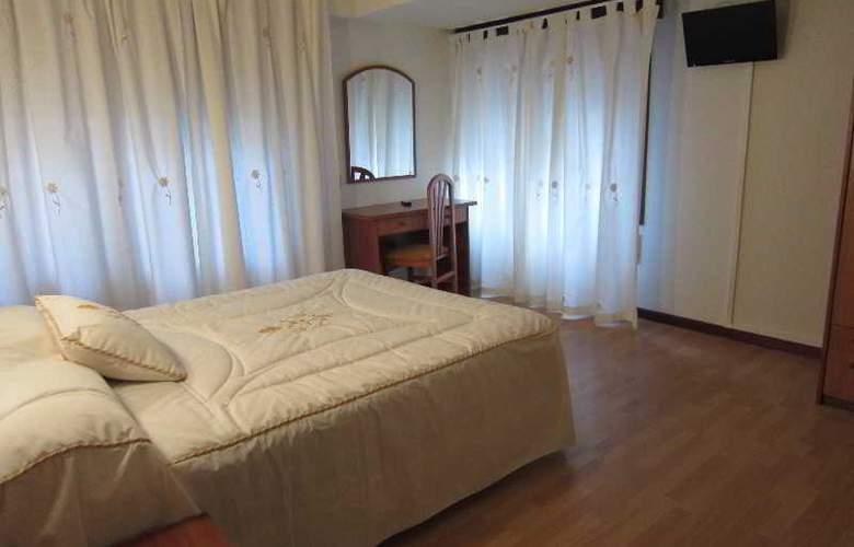Acebos-Azabache Gijón - Room - 8