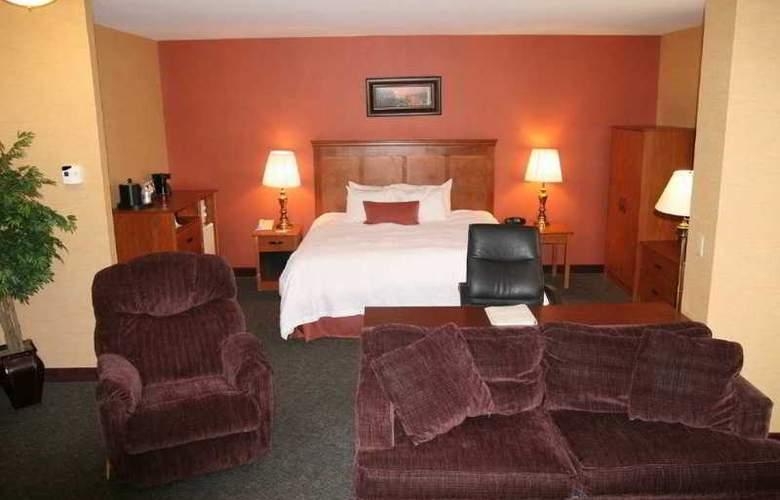 Hampton Inn Winchester - Room - 0