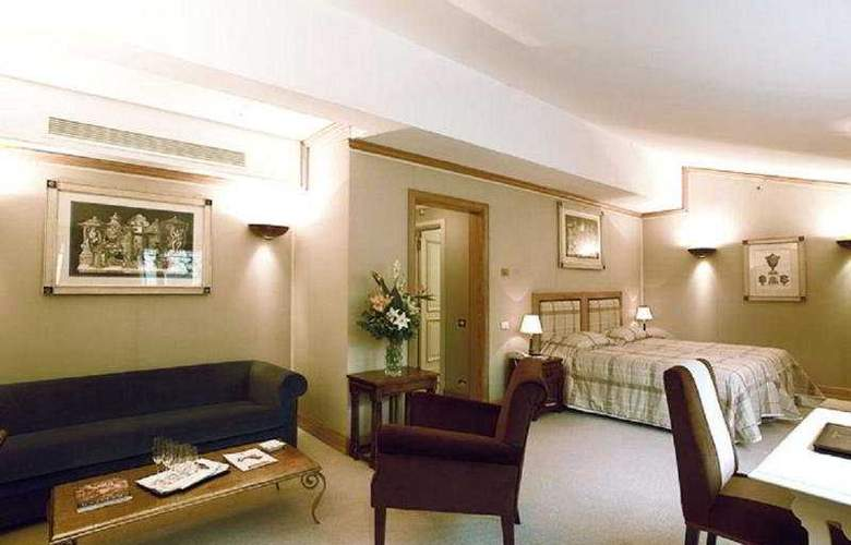 Grand Continental - Room - 4