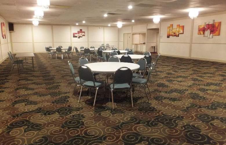 Quality Inn & Suites Lake Havasu City - Conference - 13