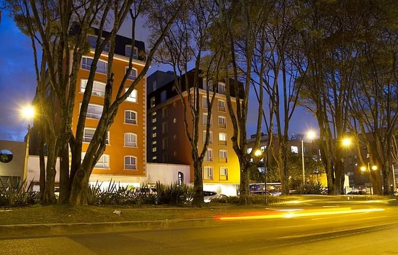 NH Bogotá Pavillon Royal - Hotel - 8