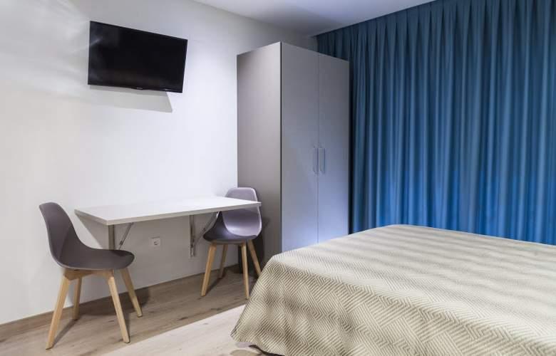 2 Sleep Estudios Benidorm - Room - 7