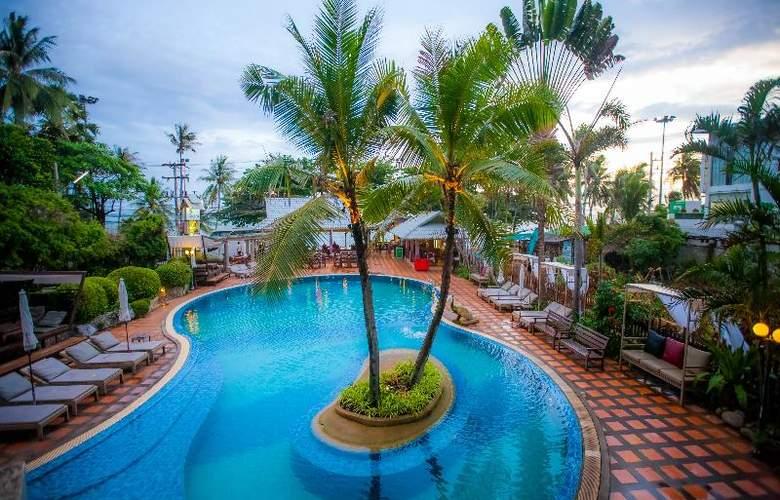 Natural Park Resort - Pool - 19