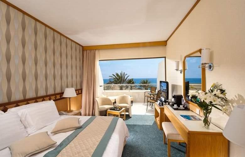 Constantinou Bros Pioneer Beach Hotel - Room - 3