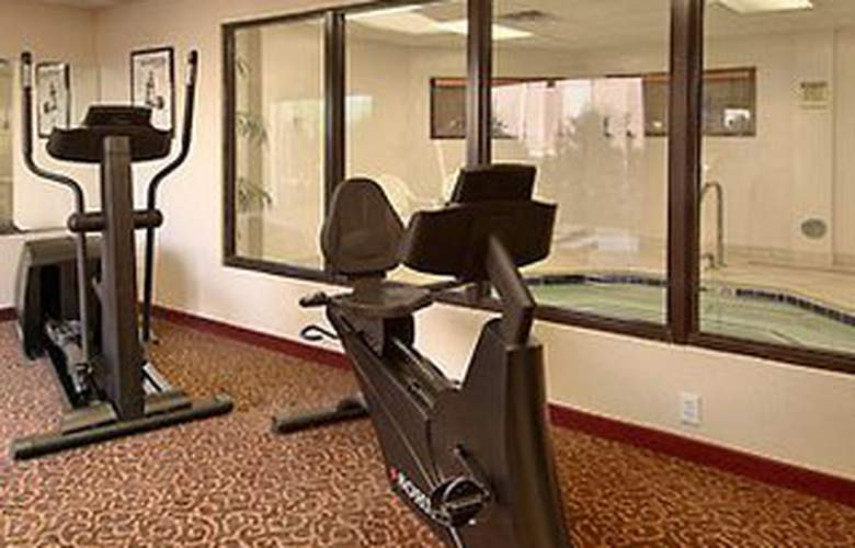 Wingate by Wyndham Arlington Heights - Sport - 5
