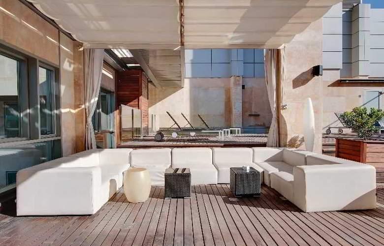 Rafaelhoteles Madrid Norte - Terrace - 51