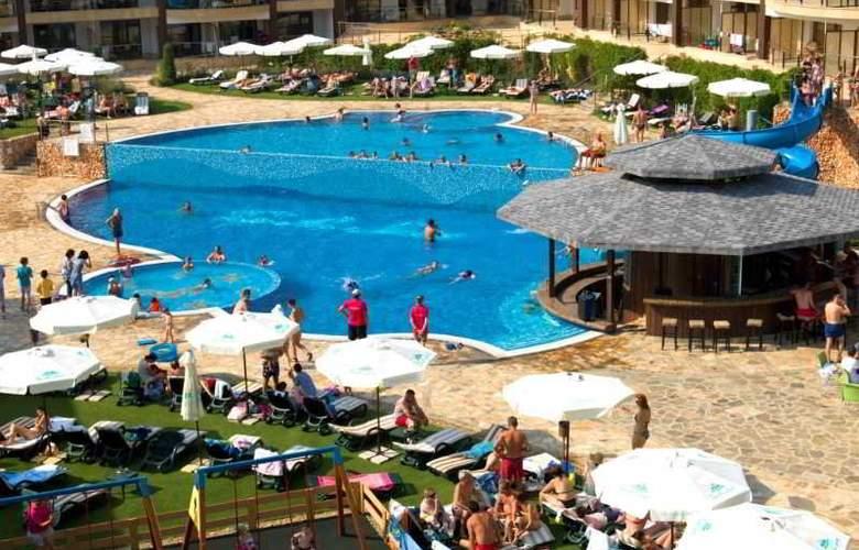 Topola Skies Golf & Spa Resort - Pool - 9