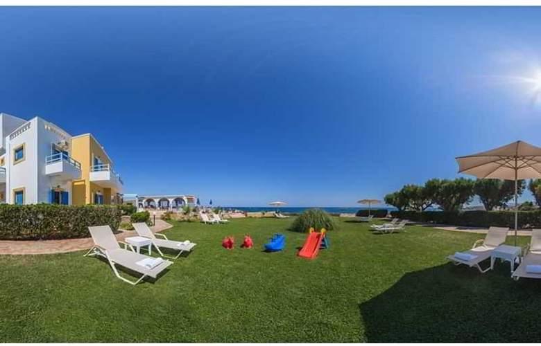 Pyrgos Beach Apartments - Hotel - 5