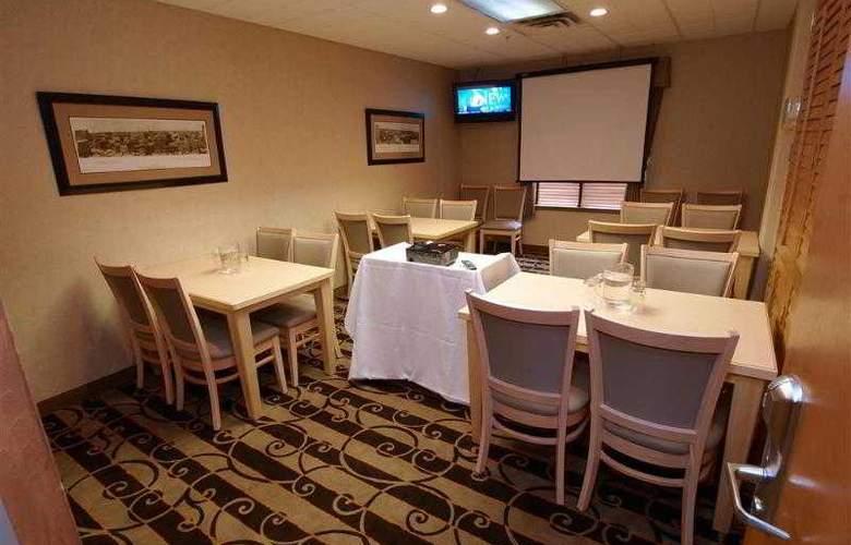 Best Western Pembina Inn & Suites - Hotel - 99