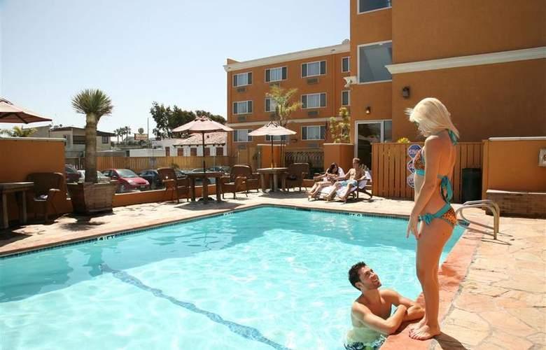 Best Western Newport Beach Inn - Pool - 43