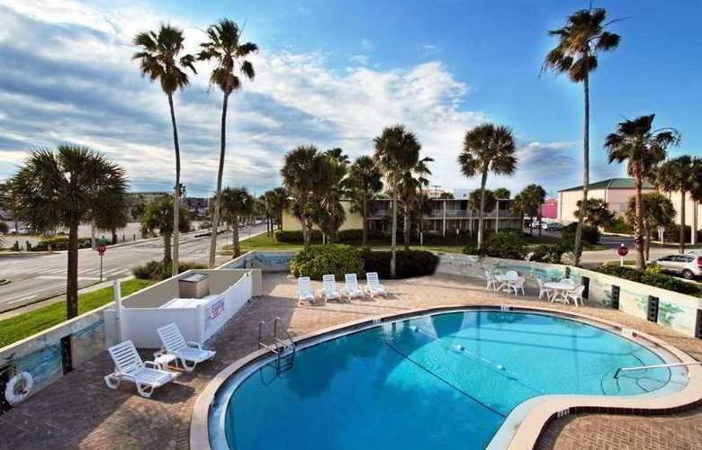 Days Inn cocoa Beach Pier - Pool - 5