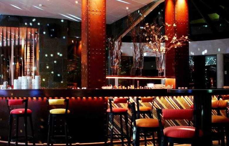 Grande Real Santa Eulalia Resort & Hotel Spa - Bar - 18
