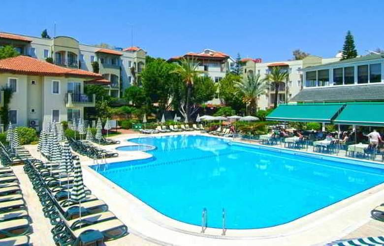 Gardenia Beach - Pool - 6