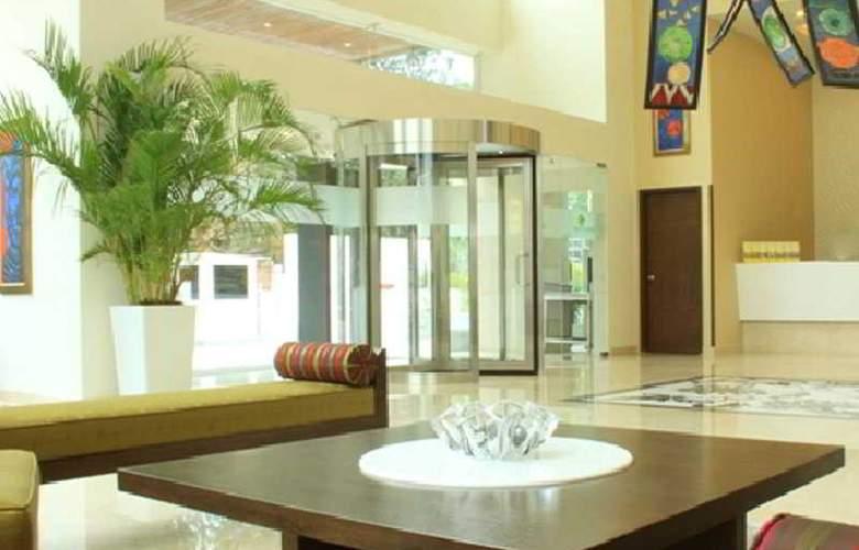 Lemon Tree Premier Ulsoor Lake Bengaluru - Hotel - 0