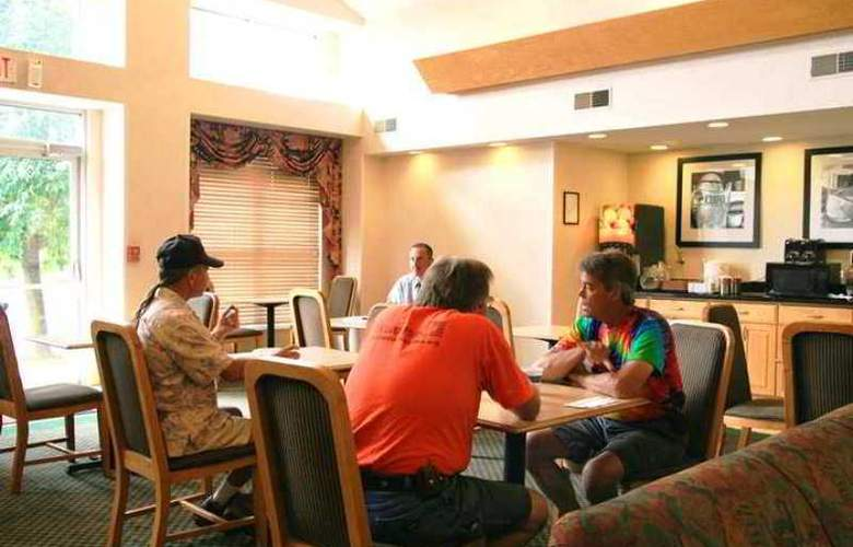 Hampton Inn & Suites Ft. Wayne-North - Hotel - 6