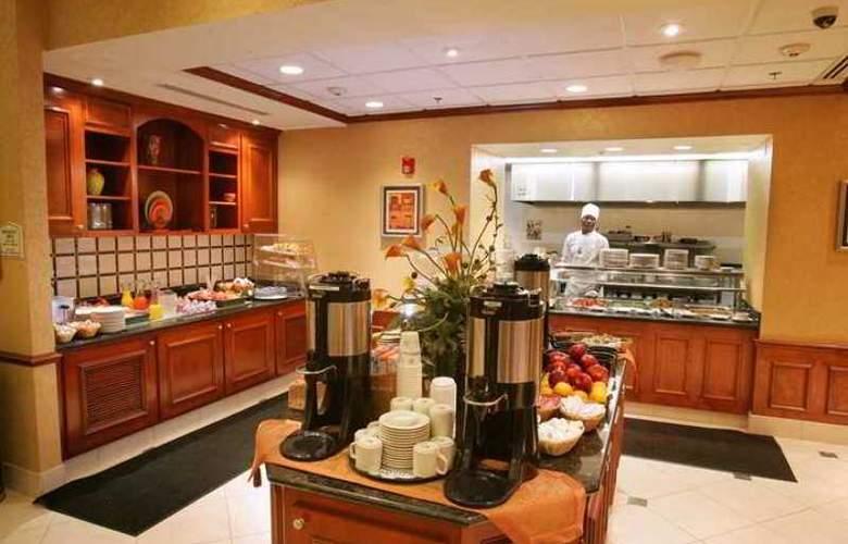 Hilton Garden Inn Raleigh Triangle Town Center - Hotel - 4