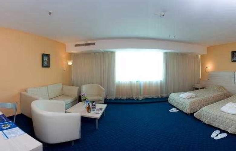 Grand Hotel Casino International - Room - 5