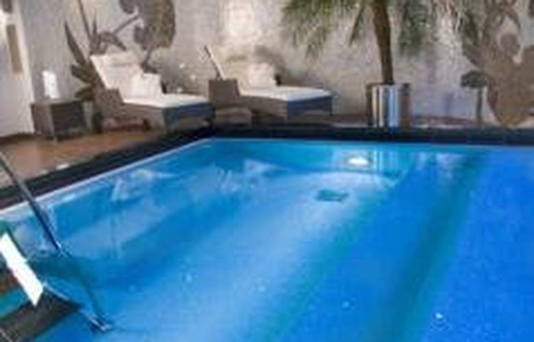 Elite Park Avenue - Pool - 6