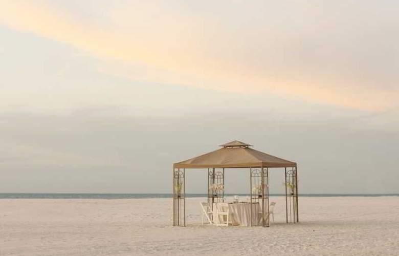 Hilton Clearwater Beach - Beach - 4