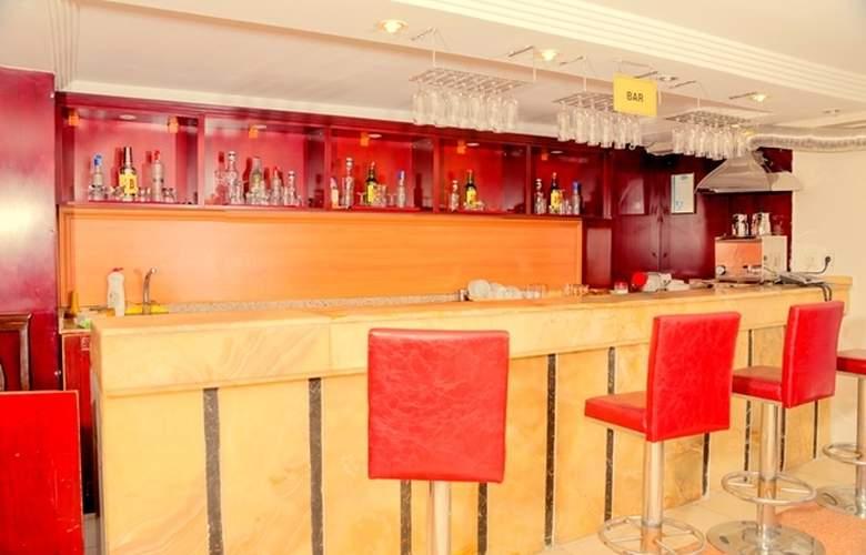 Grand Liza - Bar - 3