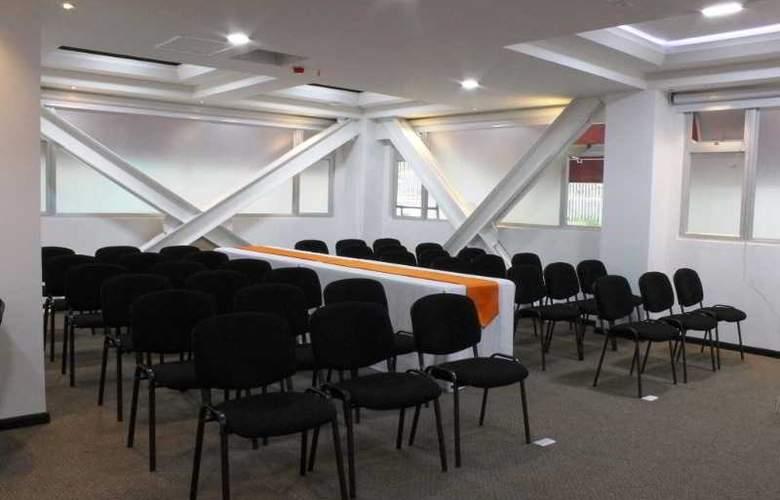 Sheridan Bogota - Conference - 3